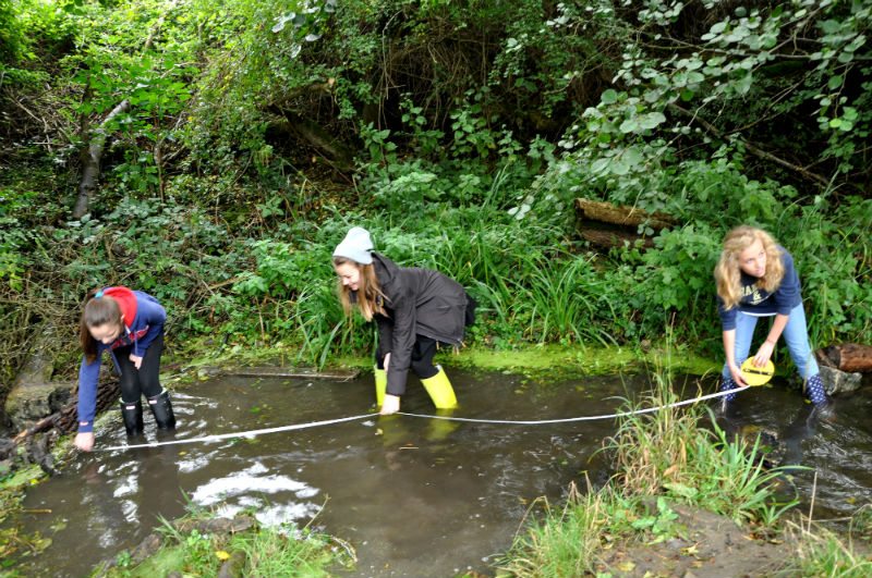 Secondary-girls-measuring-river-flow